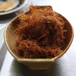 Gai tod ta krai (fried chicken with fried lemongrass) at Yum Rod Sab