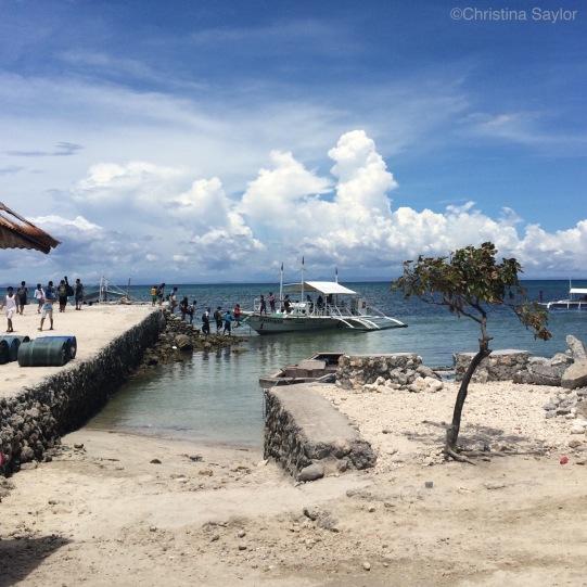 Boarding the ferry to Malapascua